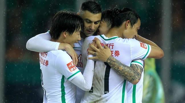 Burak Yılmaz Çin'de ilk golünü attı!