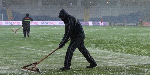 Medipol Başakşehir - Bursaspor karşılaşmasına kar engeli
