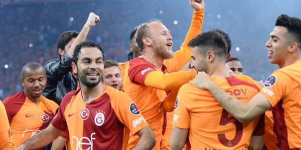 Galatasaray, sahasında yenilmezlik rekorunu kırdı