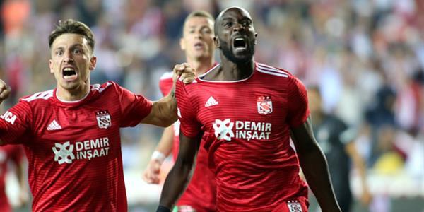 Beşiktaş Sivas'tan çıkamadı