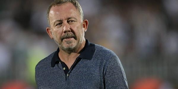 Beşiktaş, Sergen Yalçın ile 1,5 yıllık sözleşme imzaladı