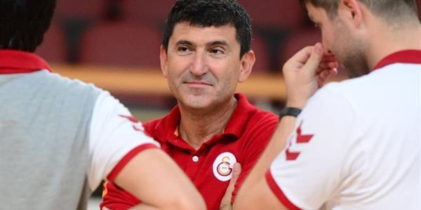 Ertuğrul Erdoğan gelecek sezon da Galatasaray'da kalacağını açıkladı